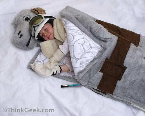 Tauntaun-sleeping-bag-20090709-191731